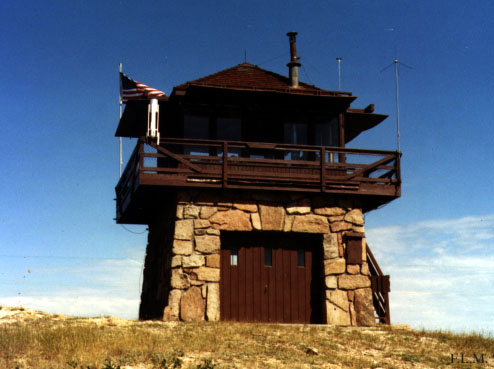 Cement ridge fire lookout tower for Lookout tower house plans